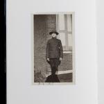 Anonymes et Jeffrey FRAENKEL, The Book of Shadows, Verona : Fraenkel Gallery et Art Publishers, 2007, 126 p. 90 photographies N&B, 5 photographies couleurs du 24 x 19 cm au 8,7 x 6,1 cm