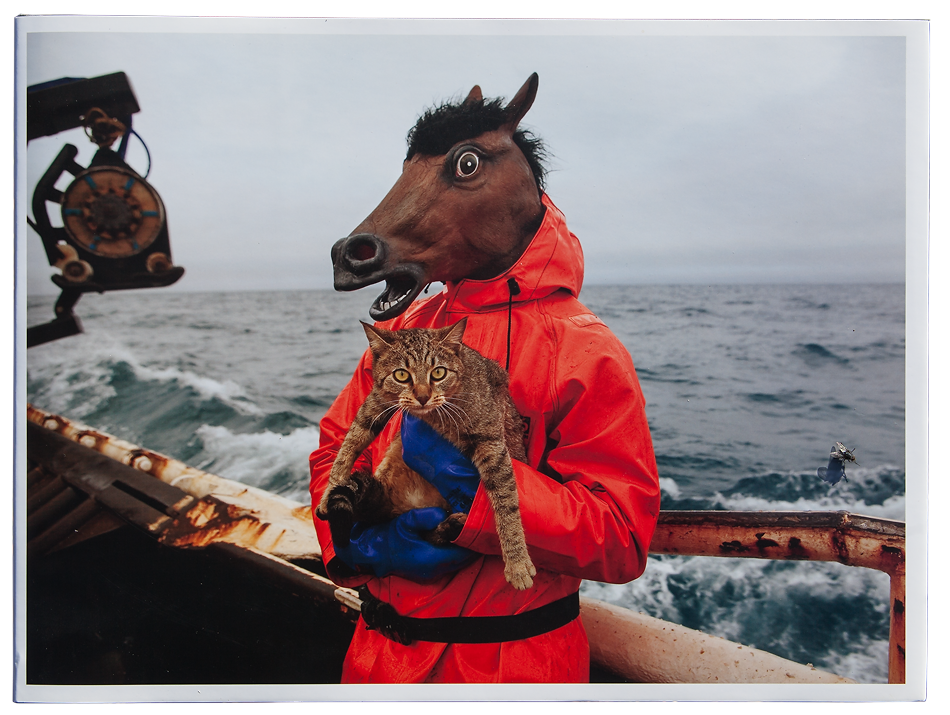 ARNOLD Corey Fish-Work, The Bering Sea. Chine : Nazraeli & Charles A. Hartman Fine Art, 2010/2011, 80 p. 47 photographies couleurs 36,7 x 27,1 cm