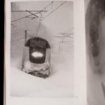 LEBLOND Antoine ressha ga kimasu, Saint-Thonan : auto-édition (imprimerie Cloître), 2015, 62 p. 45 photographies N&B 14,6 x 21,9 (sauf 3 en 11,0 x 14,2) cm